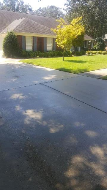 Cantonment, FL - House washing & concrete cleaning in Cantonment Florida.