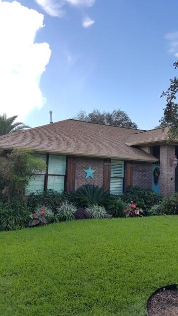 Roof cleaning & house washing in Cantonment, Fl.