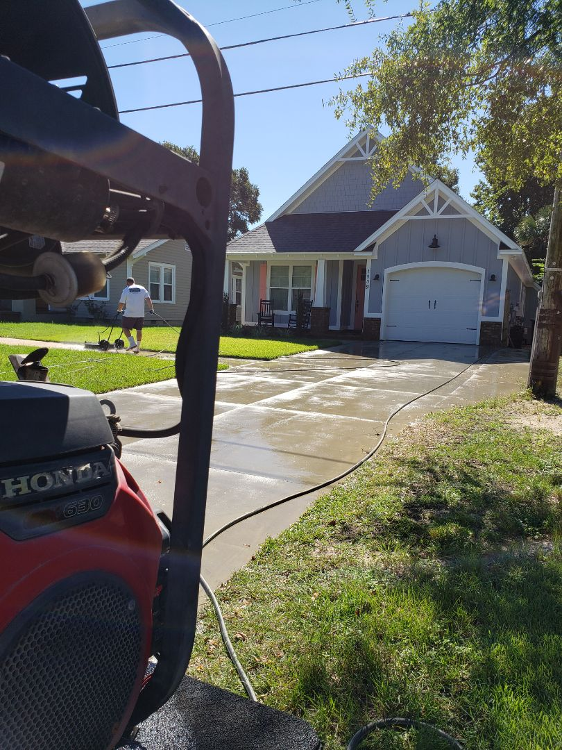 House washing & concrete cleaning in East Hill area of Pensacola.