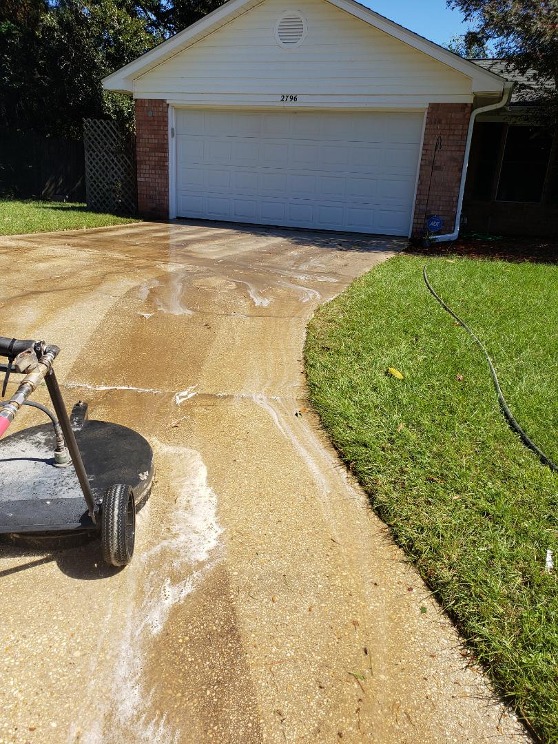 House washing & driveway cleaning Pensacola Fl.