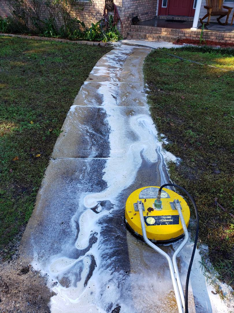 House washing & sidewalk cleaning in Pensacola.