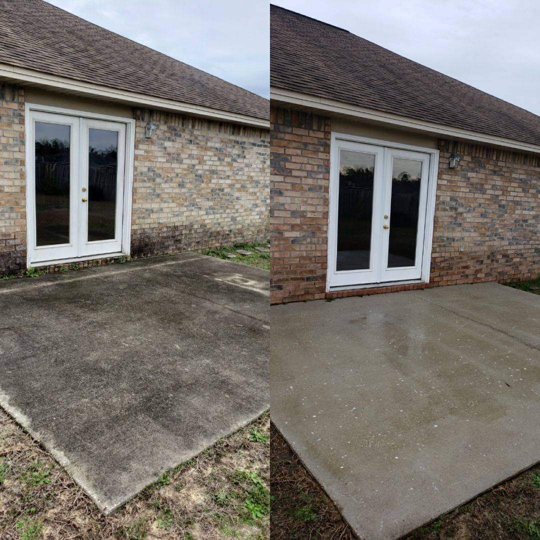 House washing and concrete cleaning in Pensacola.