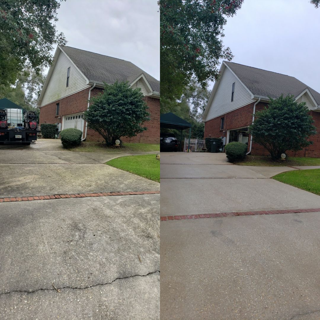 House, fence, pool cage and concrete cleaning in Pensacola.