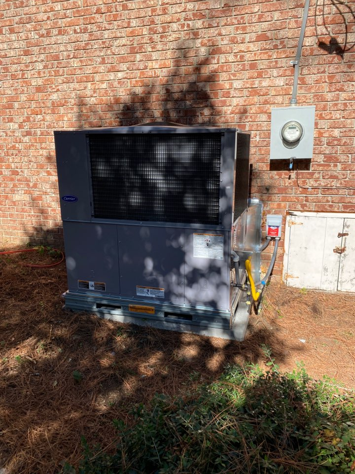 New carrier gas pack/ ac unit installed