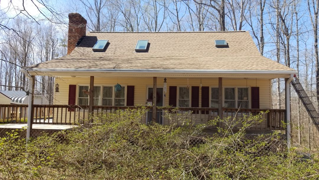 Powhatan, VA - New GAF roof and Leafguard gutter system in Powhatan