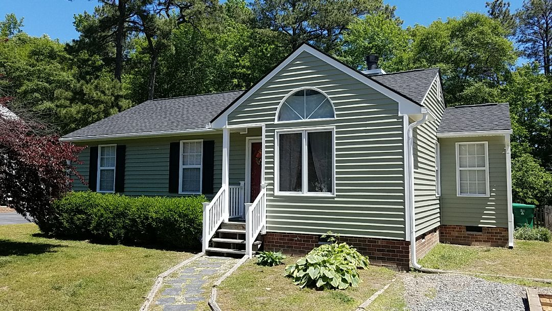 Ashland, VA - New GAF roof, with CertainTeed vinyl siding & topped off with LeafGuard gutters!