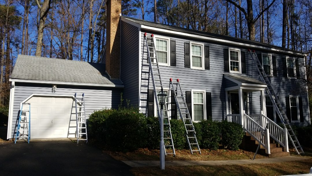 Richmond, VA - New CertainTeed vinyl siding and LeafGuard gutters