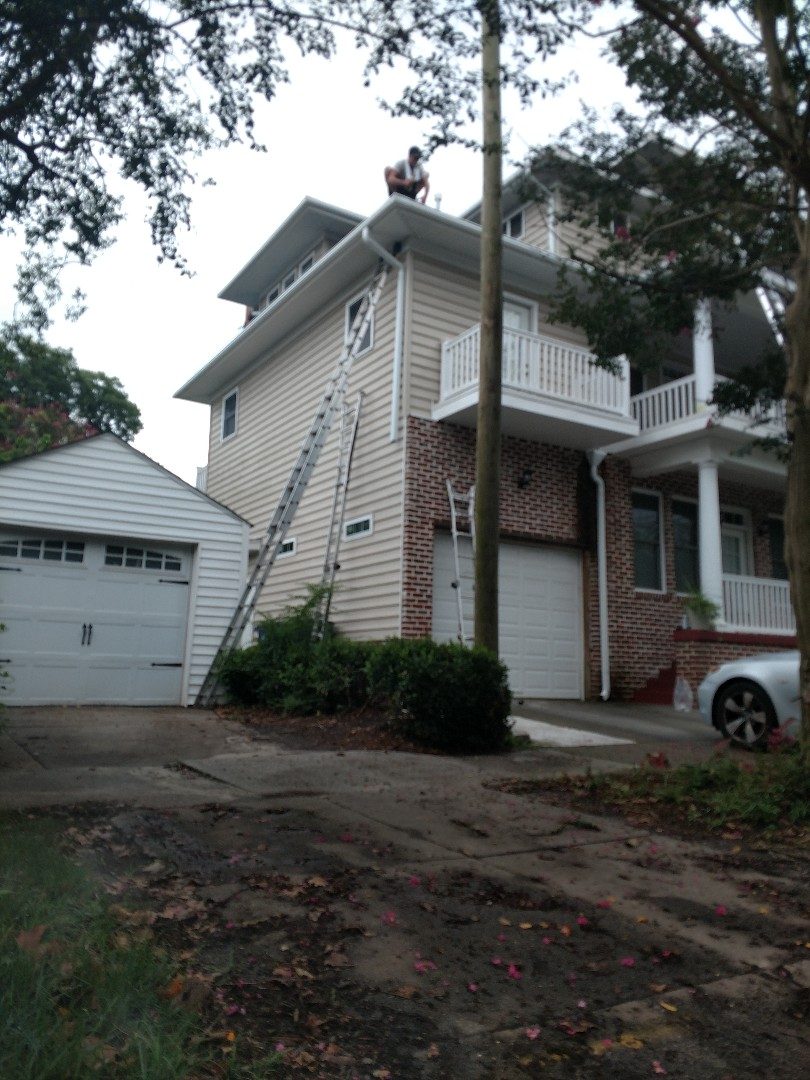 Norfolk, VA - A beautiful house in Norfolk getting some new LeafGuard gutters.