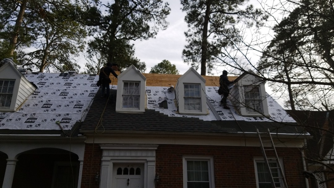 Richmond, VA - GAF Tiger Paw underlayment on roof in Chesterfield