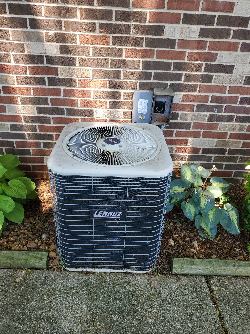 Ferndale, MI - Air conditioning not working. Lennox unit