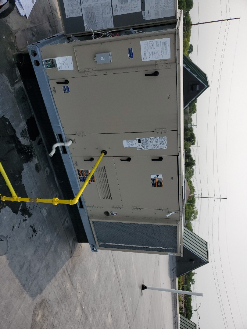 Troy, MI - Air conditioner repair on Lennox unit.