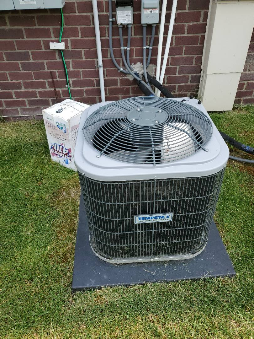 Shelby Charter Township, MI - Shelby township air conditioner repair. Ac was leaking water and there was white ice on lines. Found filter dirty and unit slightly low on freon. Charged tempstar ac. All good