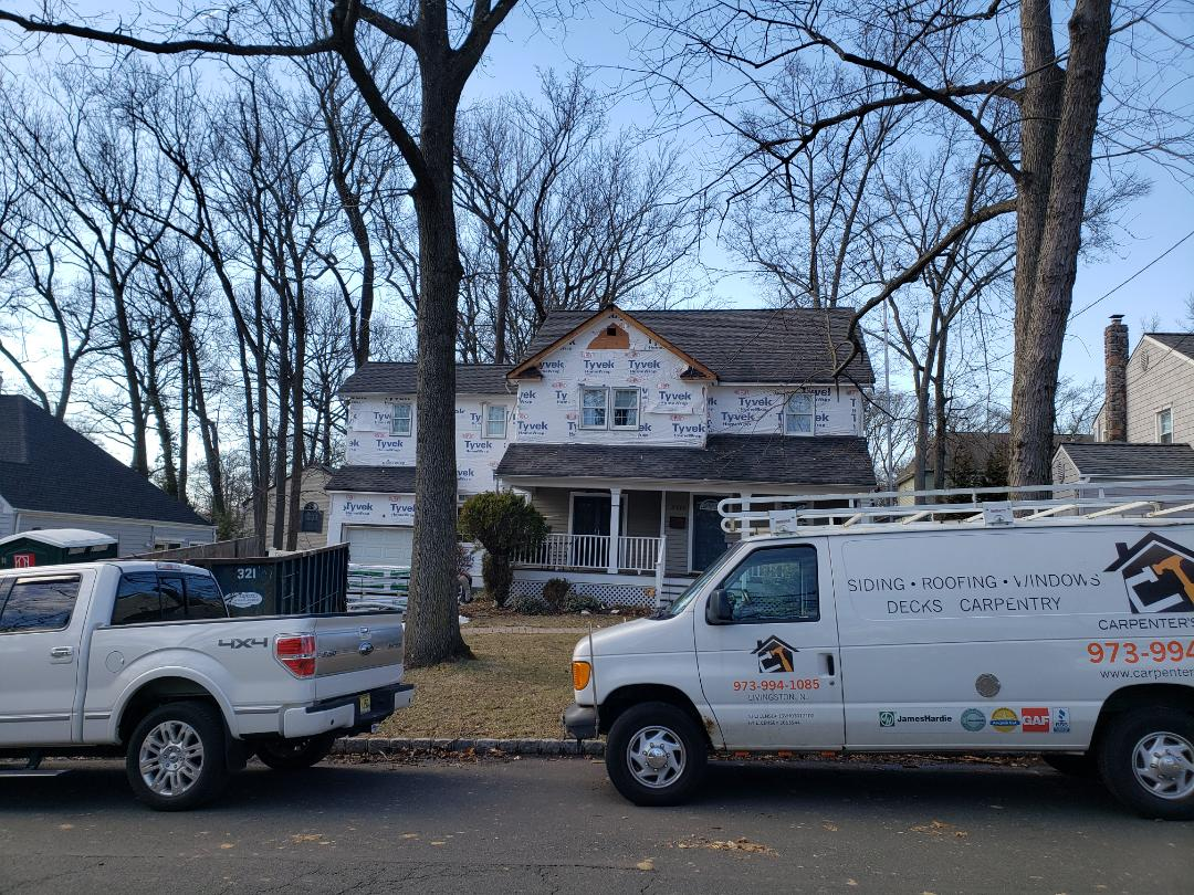 Scotch Plains, NJ - Starting a New James Hardie Siding Project with Black Metal Roof... Day 1 ..tearing off #carpenterstouch #jameshardieelitepreferred #jameshardiesiding #jameshardie #hardienation #hardielockdown #GodisGood