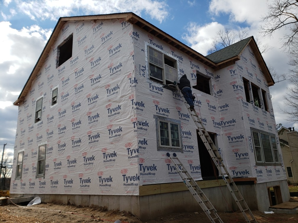 Union, NJ - Covering the House with New Tyvek House wrap #carpenterstouch #jameshardieelitepreferred #jameshardiesiding #jameshardie #siding #gaf #gafmasterelite #goldenpledge