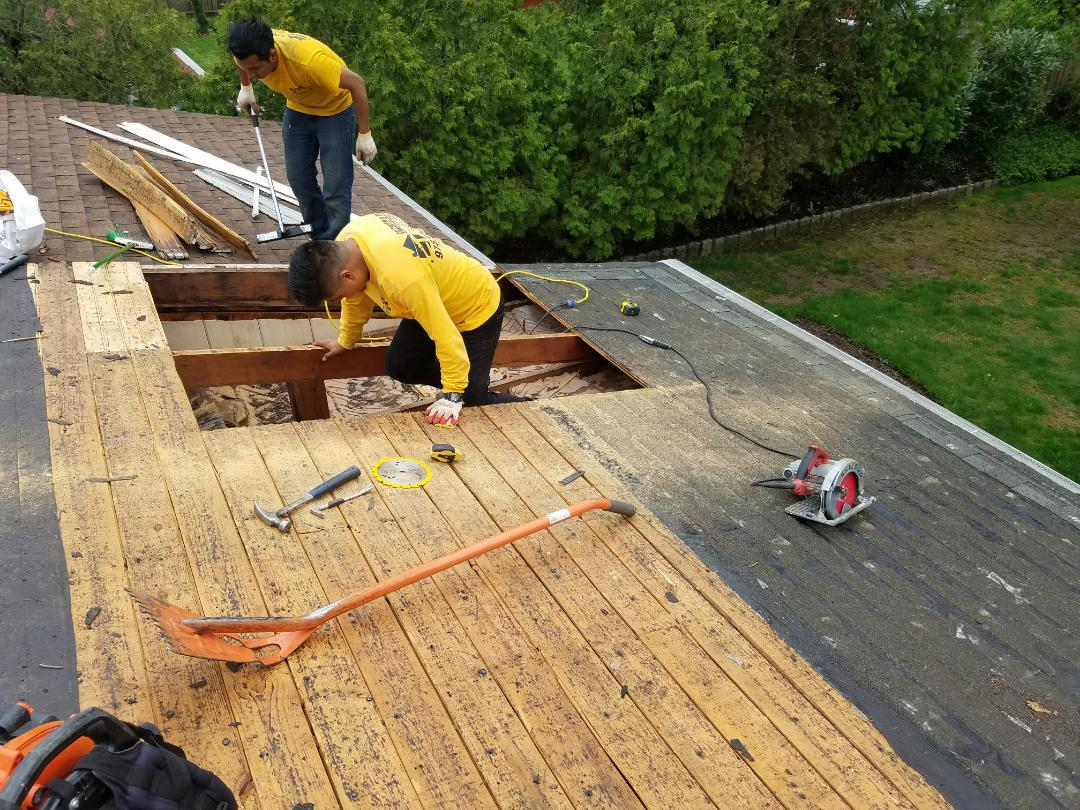 Hanover, NJ - Repairing the Roof for one of our Angie 's list Members. Another Happy Client #gaf #roofingcontractor #jameshardie #jameshardiepreferred #gafmasterelite