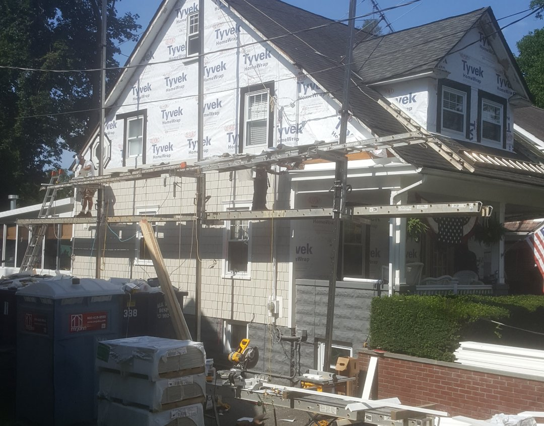 Franklin Lakes, NJ - We are comong along with our James Hardie Shake Job ( Westwood)