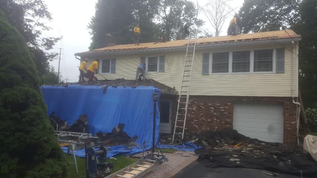 Parsippany-Troy Hills, NJ - We are here in Lake Hiawatha, New Jersey replacing a roof with GAF Timberline Ultra HD shingles (Color: Barkwood.)
