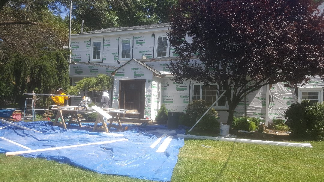 Haworth, NJ - Moving along here with our Hardie job.