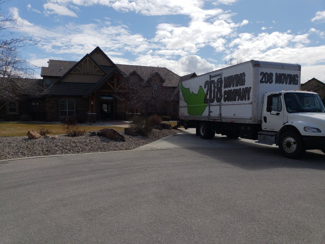 Eagle, ID - Moving furniture and household goods from a 6000 square foot house