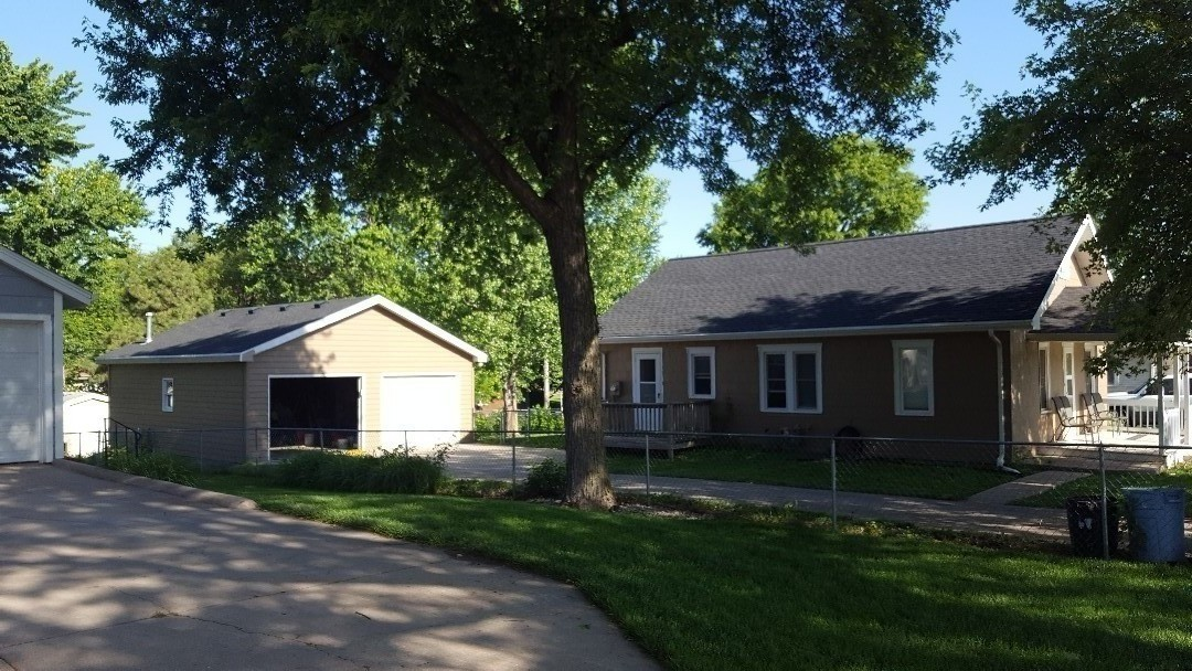 Lincoln, NE - New roof no mess GAF charcoal lifetime shingles
