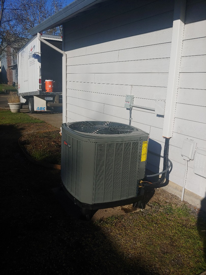 Battle Ground, WA - New Airhandler and Heatpump