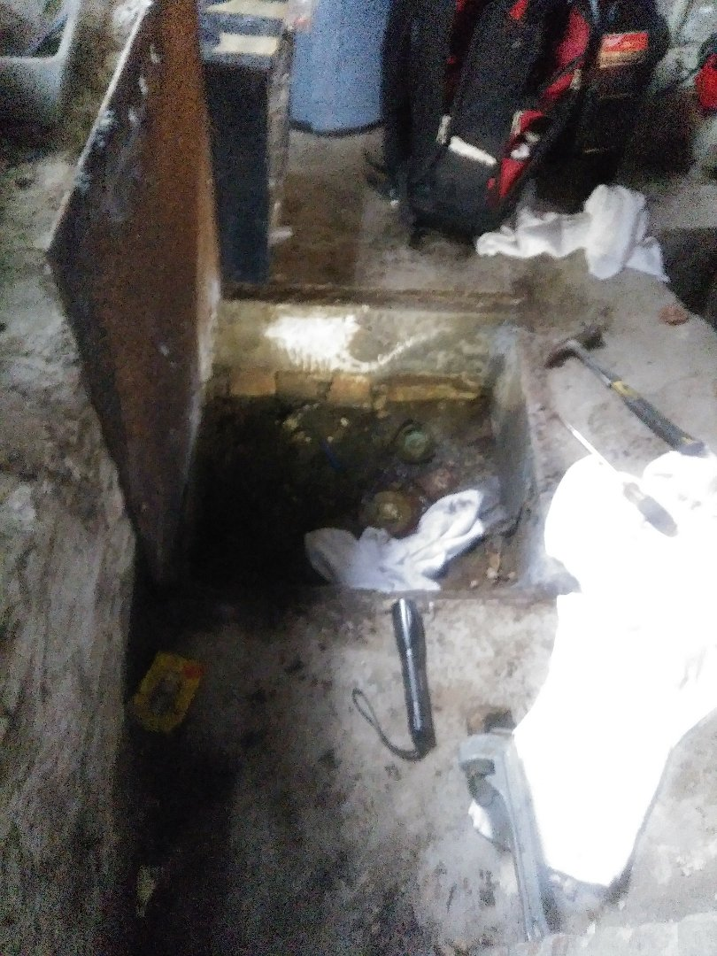 Needham, MA - Clear clogged main drain sewage plumbing near me plumber local 24/7 emergency drain services rooter rotor