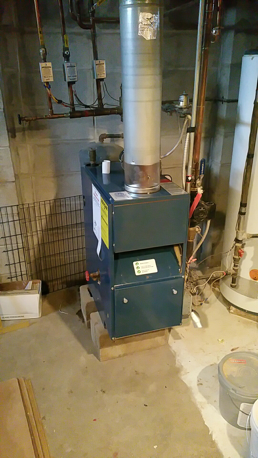 Spring Grove, IL - Boiler ptu for club members.  Need to return an replace expansion tank.