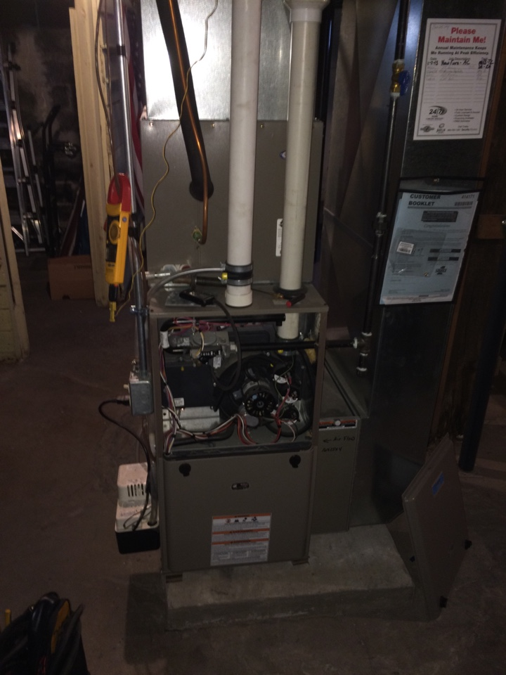Mineral Point, WI - Clean and tune on a Luxaire 2 stage furnace