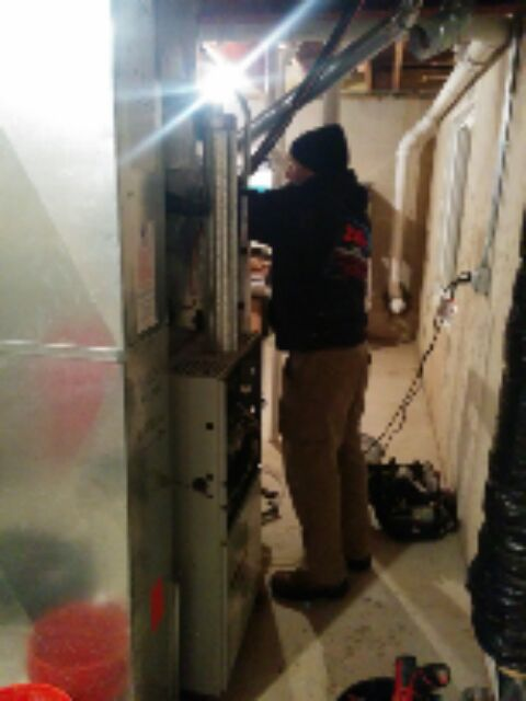Gilberts, IL - replacing a broken furnace! started replacement  at 6:45 pm
