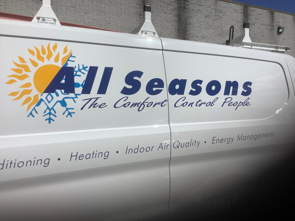 Bay Shore, NY - Performed maintenance on one Rheem commercial rooftop unit in Bay Shore