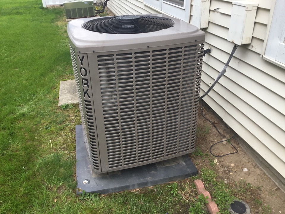 Holtsville, NY - Performed a spring maintenance on a York split system in the town of Holtsville