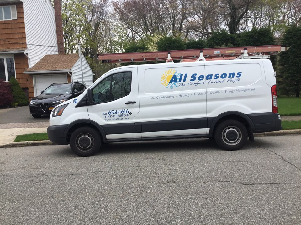 Massapequa, NY - Performed a spring start up onto carrier split system in the town of Massapequa