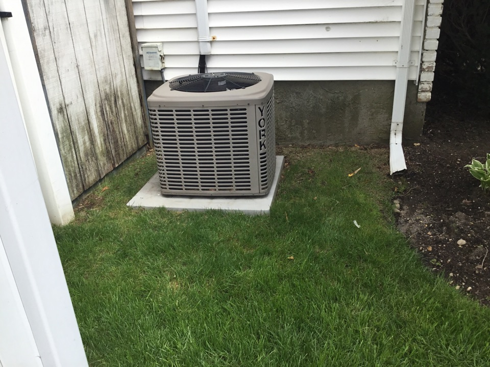 East Meadow, NY - Performed a spring start up on a York split system in the town of Wantagh
