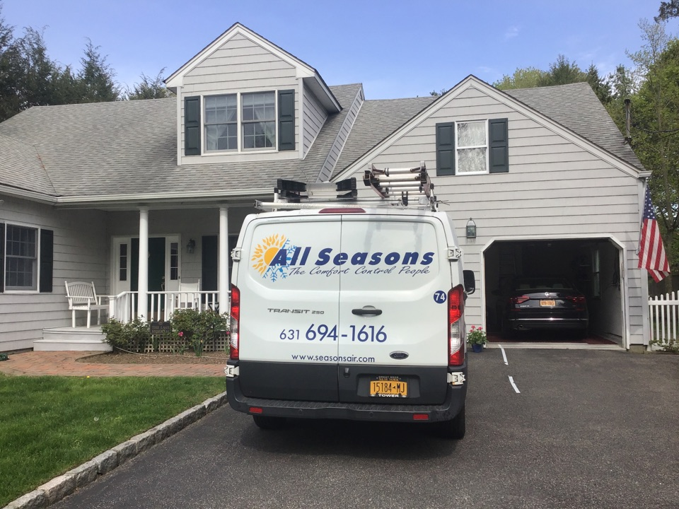 Locust Valley, NY - Air conditioning inspection