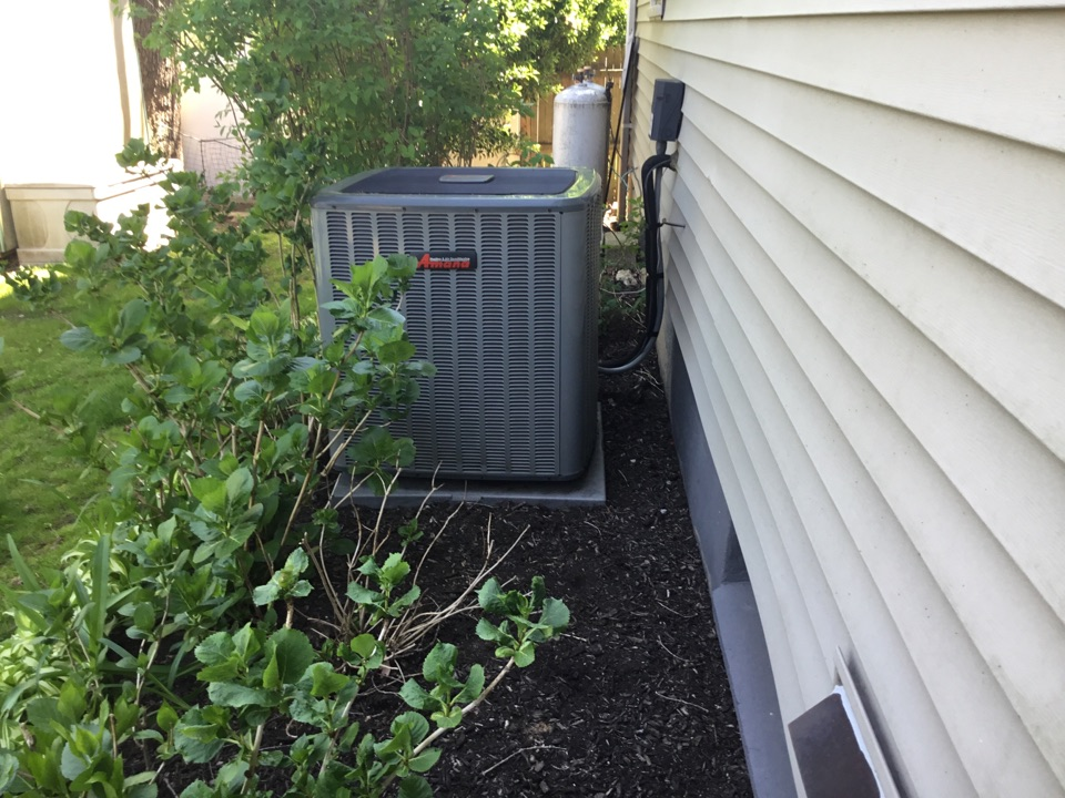 North Bellmore, NY - Performed a maintenance on a Amana split system in the town of North Bellmore