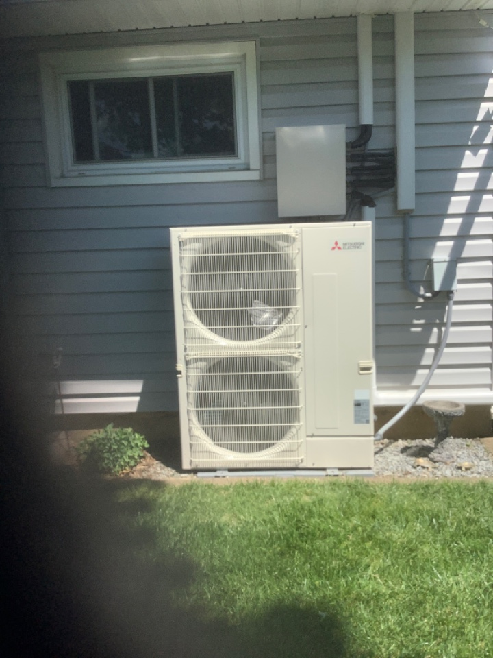 Levittown, NY - Performed maintenance on one Mitsubishi ductless system in Levittown