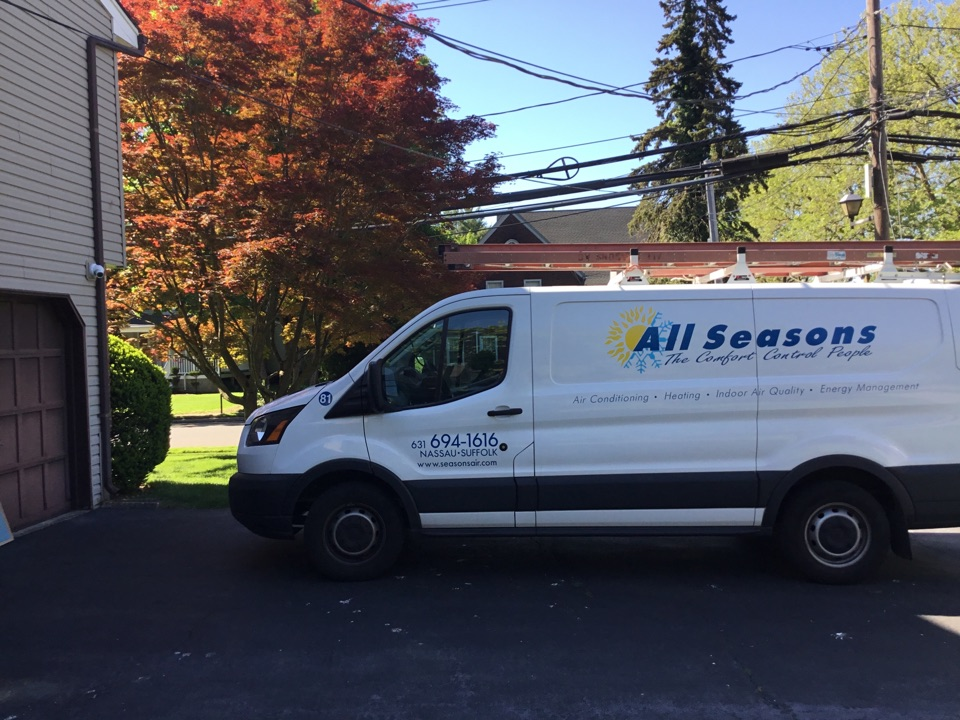 Roslyn Heights, NY - Performed a maintenance on a York split system in the town of Roslyn