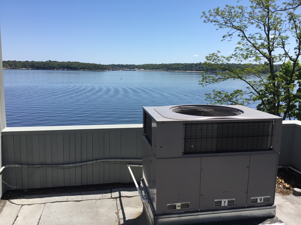Sands Point, NY - Performed a spring start up on 3 Amana Split systems in one package temp star rooftop system in the town of Sandpoint