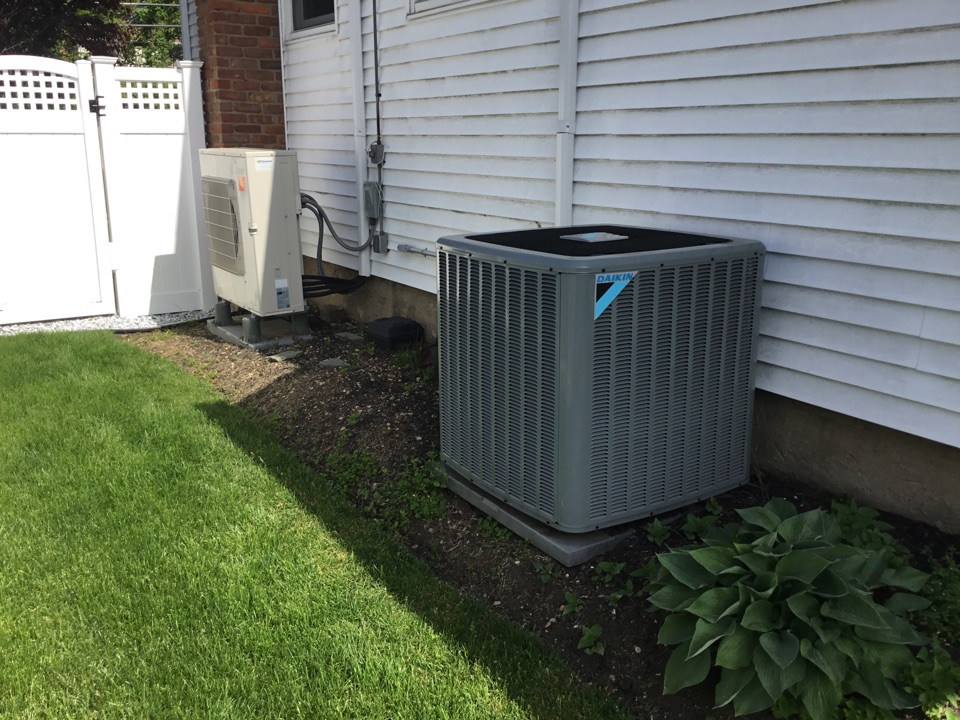 Farmingdale, NY - Performed a spring start up on one Daikin split system and one Mitsubishi split system in the town of Farmingdale