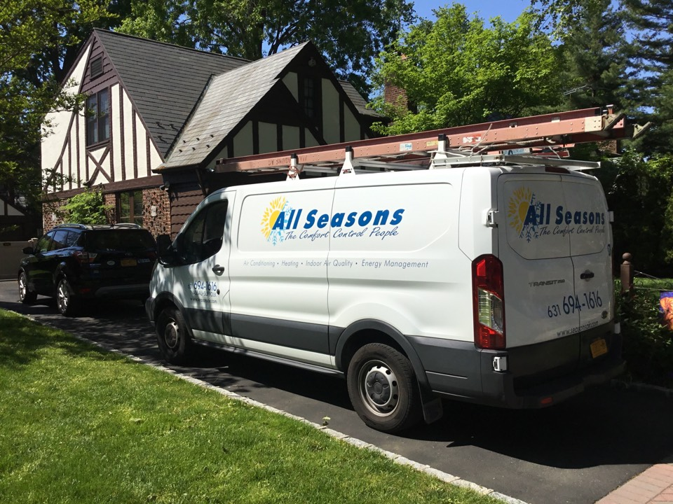 Garden City, NY - Performed a AC maintenance on a York split system in the town of Garden city