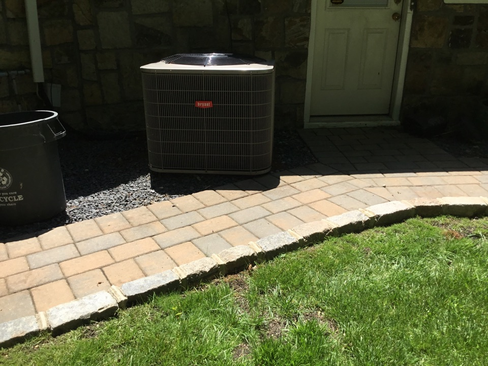 Dix Hills, NY - Performed a maintenance on a Bryant split system in the town of Dix Hills