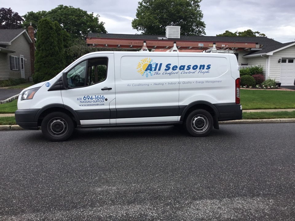 Sayville, NY - Performed a summer inspection on a carrier split system in the town of Patchogue