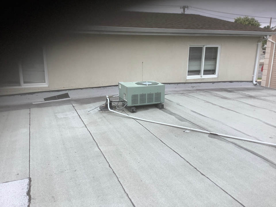 Levittown, NY - Charged refrigerant circuit on one Rheem. Condenser in Levittown