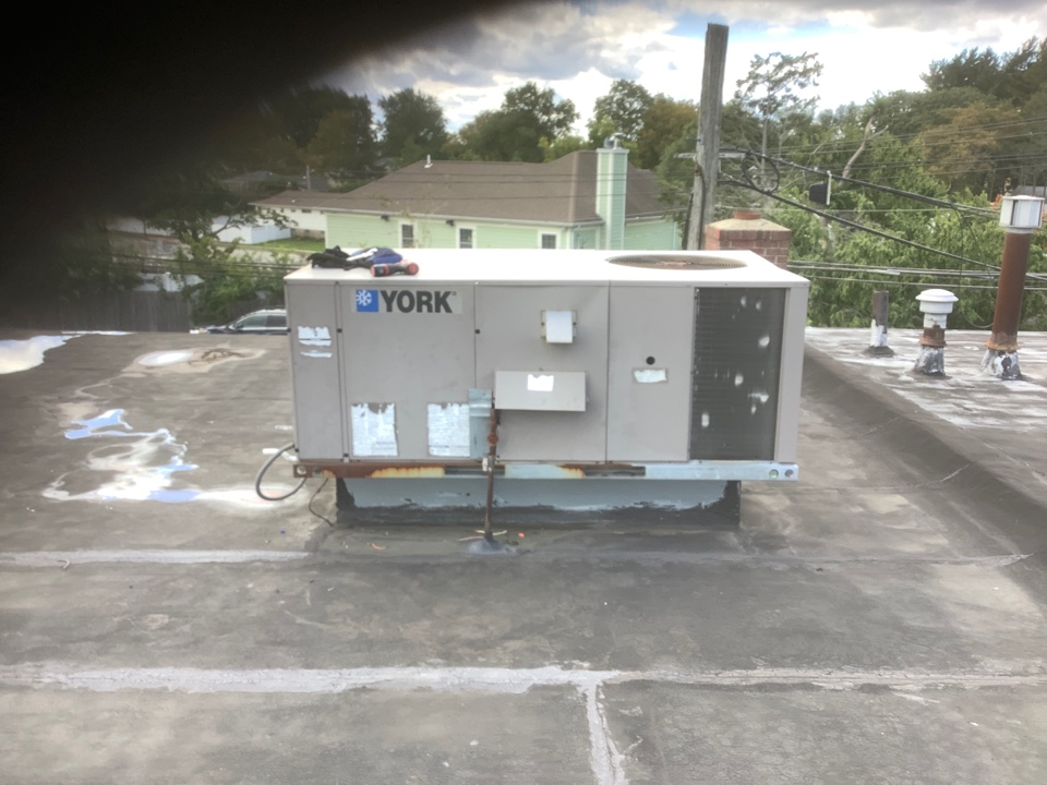 Plainview, NY - Performed maintenance on one York commercial rooftop unit in Plainview