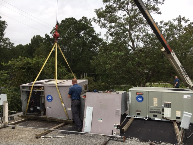 Midfield, AL - Replaced old Carrier packaged unit with a new Bryant 15 ton packaged unit.