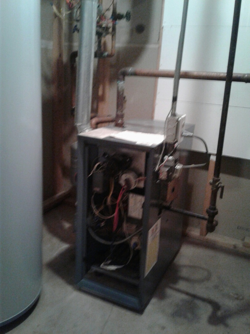 Lake Villa, IL - Weil McClain boiler hot water heat