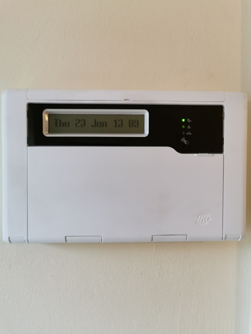 Service for a hkc 1070 alarm system