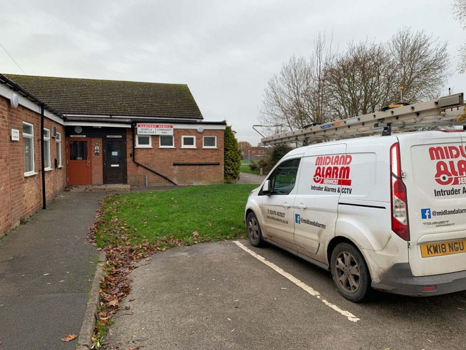 Leamington Spa, Warwickshire - Repairs to wireless alarm at a club in Radford Semele. Leamington Spa