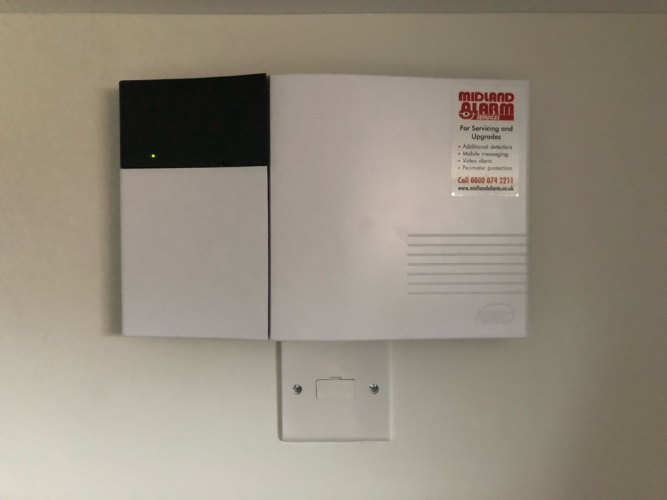 Installation of a new HKC Quantum wireless alarm for an existing customer who has moved into a new house.