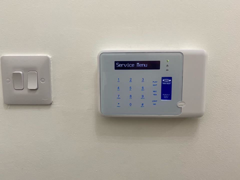 Upgrade of an old Scantronic 800L. They now have a new shiny HKC hybrid alarm allowing them to have wireless shock detectors etc to add perimeter protection.